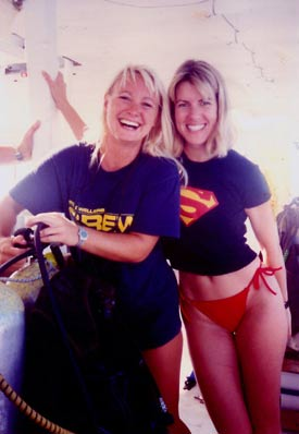 Lady divers in Key Largo, Florida
